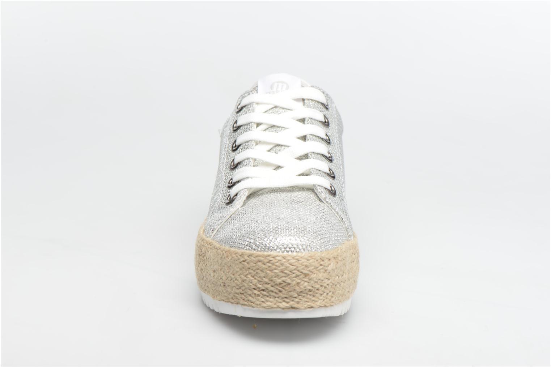 Baskets MTNG Evan 69223 Argent vue portées chaussures