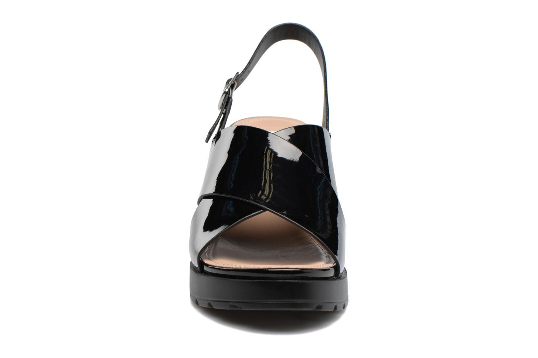 Sandali e scarpe aperte MTNG Plexy 55413 Nero modello indossato