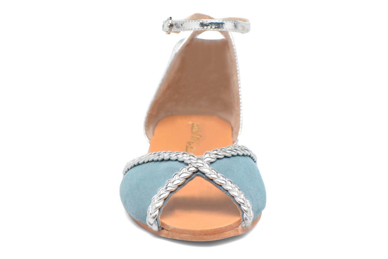 Sandales et nu-pieds Petite mendigote Trefle Bleu vue portées chaussures