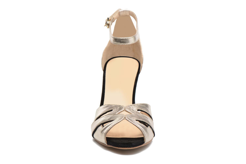 Sandales et nu-pieds Petite mendigote Charme Or et bronze vue portées chaussures