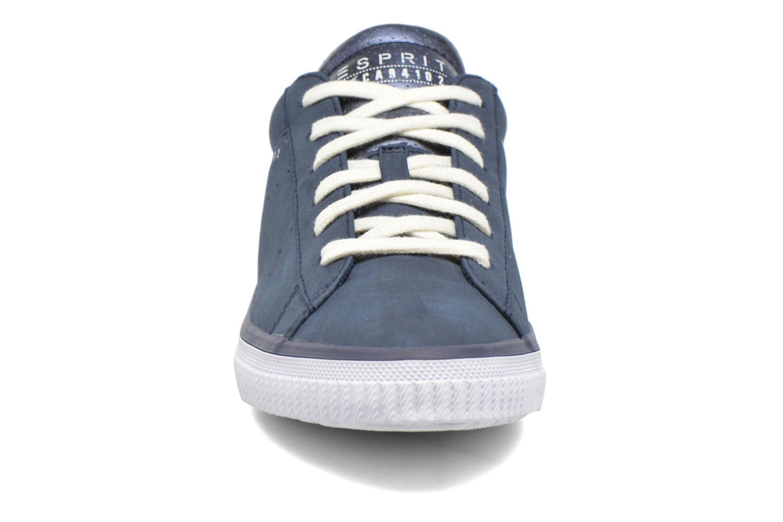 Sneakers Esprit Riata Lace Up Azzurro modello indossato