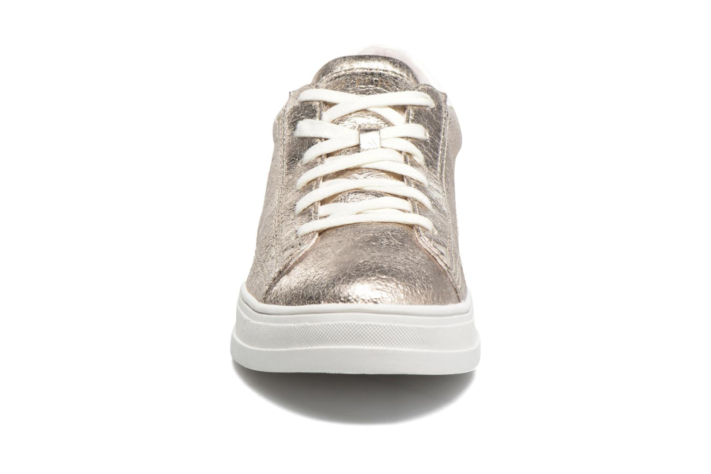 Sneakers Esprit Sidney Lace Up Beige modello indossato