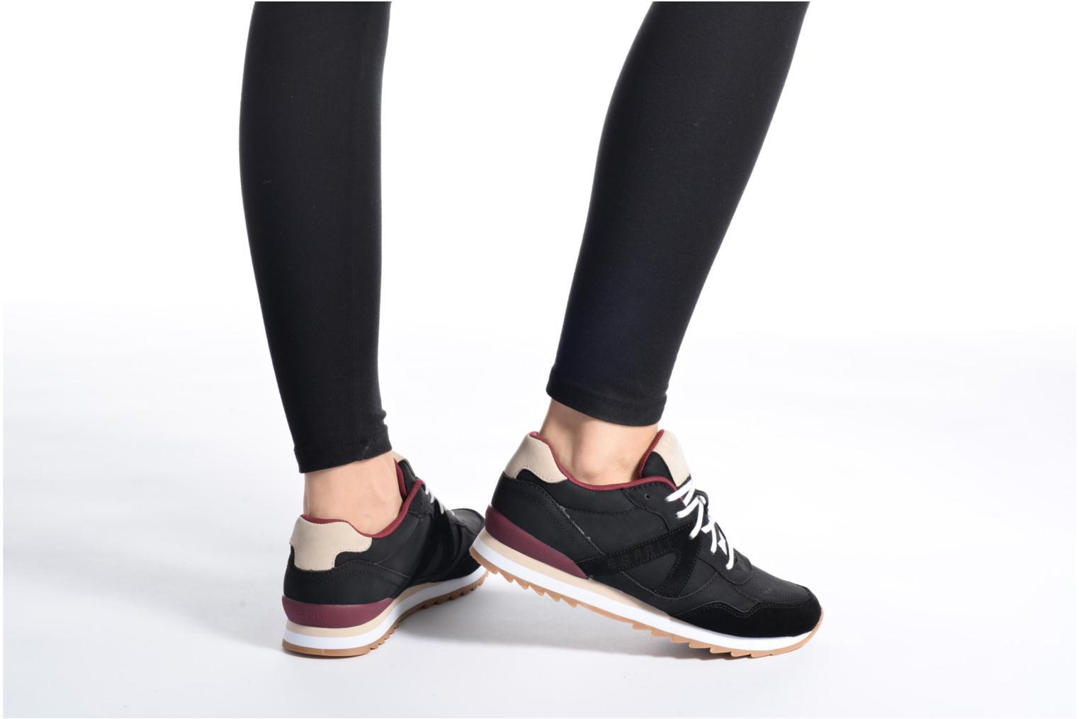 Trainers Esprit Astro Lace Up Black view from underneath / model view