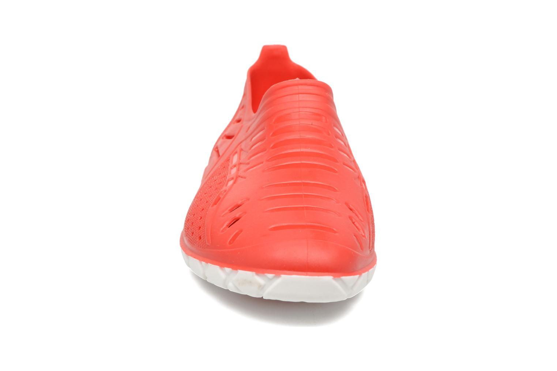 Sandales et nu-pieds SARENZA POP Raffi Rouge vue portées chaussures