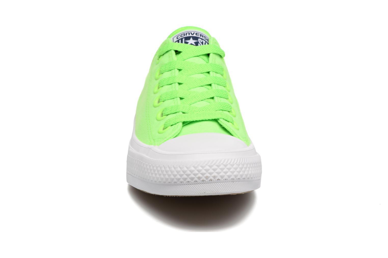 Baskets Converse Chuck Taylor All Star II Ox Neon W Vert vue portées chaussures