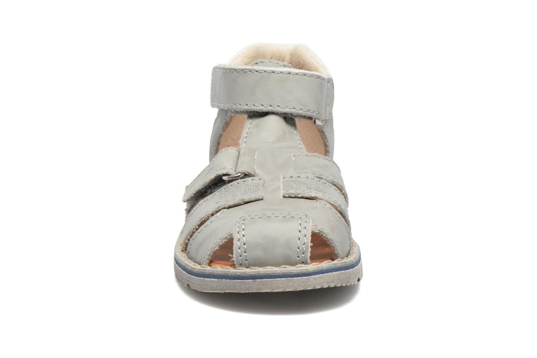 Sandalen GBB Mathurin grau schuhe getragen