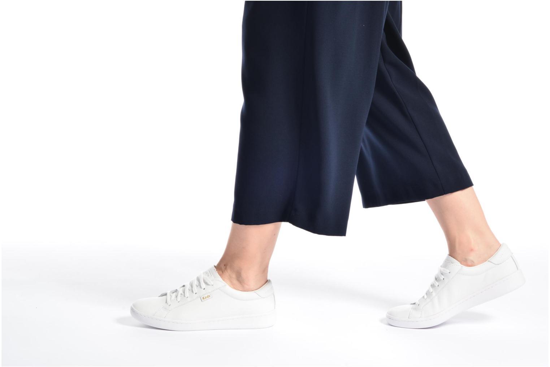 Baskets Keds Ace Leather Blanc vue bas / vue portée sac