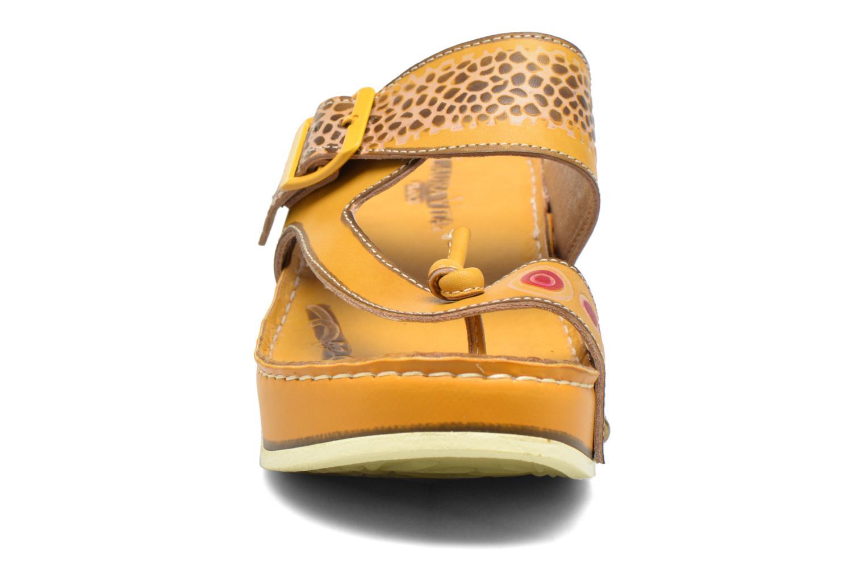 Mules et sabots Laura Vita Scenic Jaune vue portées chaussures