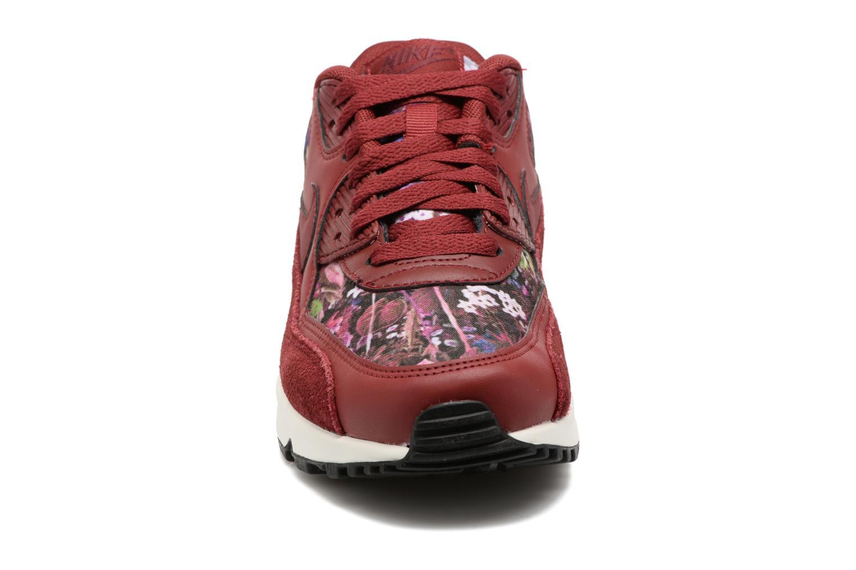 Baskets Nike Wmns Air Max 90 Se Bordeaux vue portées chaussures