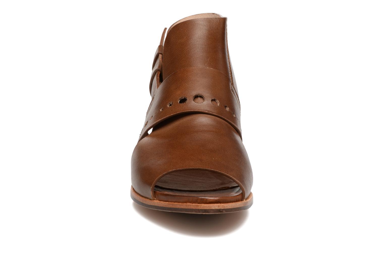 Sandalen Neosens Callet S149 braun schuhe getragen