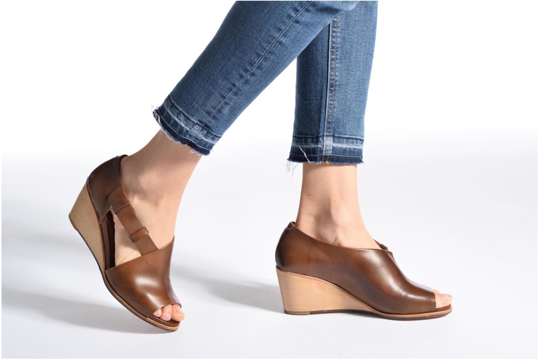 Sandales et nu-pieds Neosens Noah S217 Noir vue bas / vue portée sac