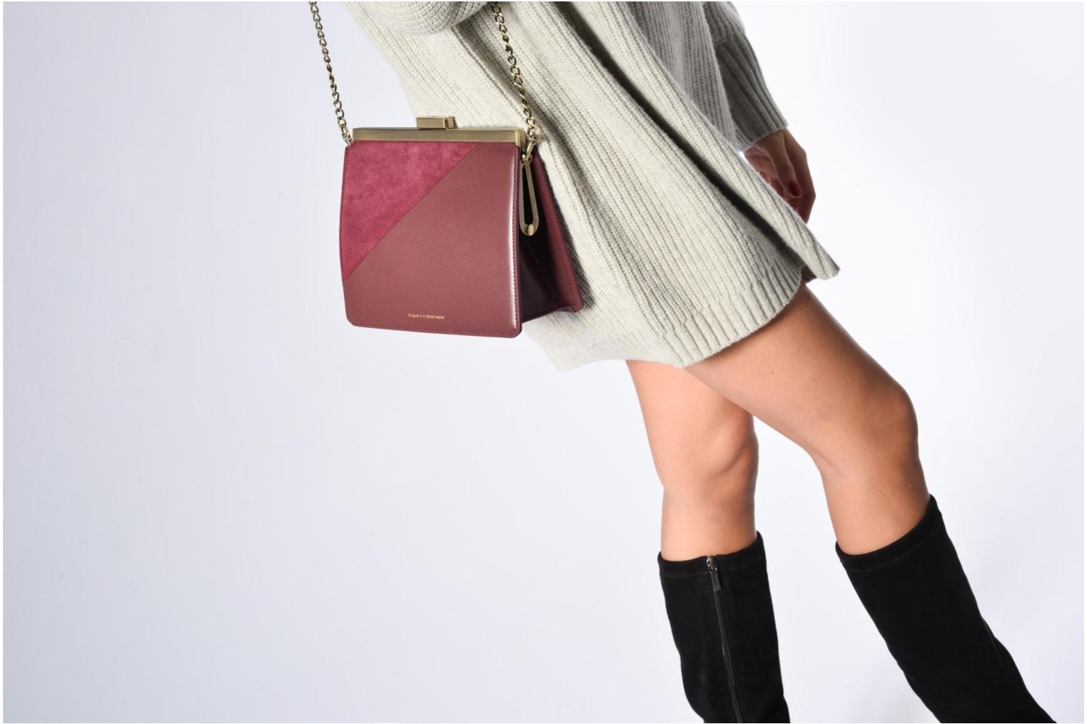 Handbags Tammy & Benjamin Crossbody Jeanne Burgundy view from above