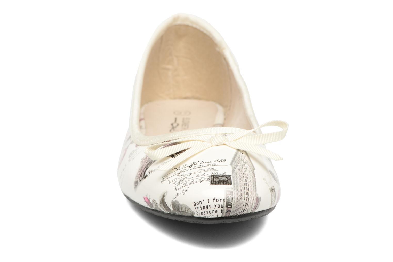 Ballerines Elizabeth Stuart Castel 850 Blanc vue portées chaussures