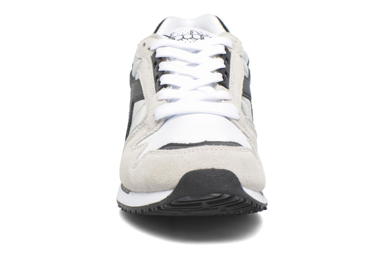 Sneakers Diadora IC 4000 HOLOGRAM Grå se skoene på