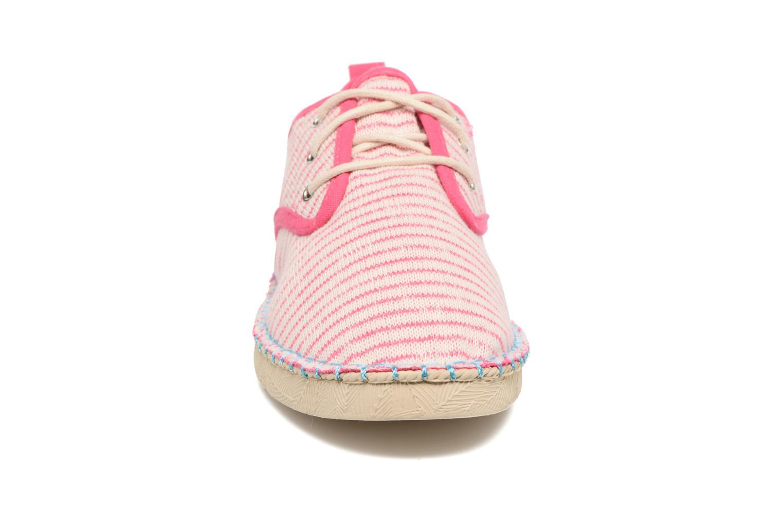 Scarpe con lacci Coolway Trebol Rosa modello indossato