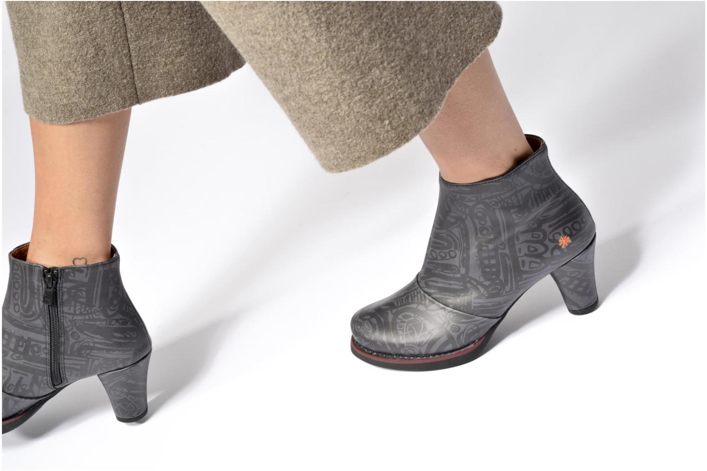 Bottines et boots Art ST TROPEZ 1073 Marron vue bas / vue portée sac