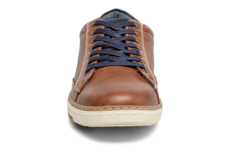 Sneakers I Love Shoes SYLVAN Marrone modello indossato