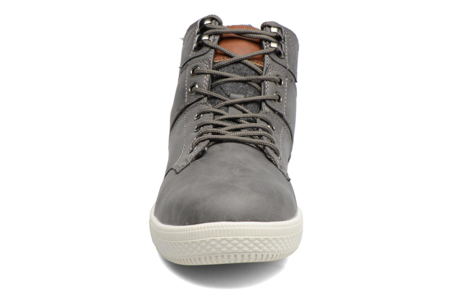 Trainers I Love Shoes SOANE Grey model view
