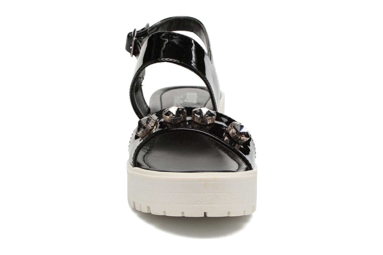 Sandalen MTNG Speck 51607 schwarz schuhe getragen