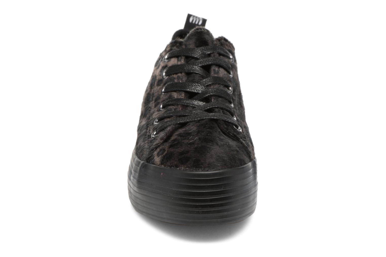 Sneaker MTNG Box 56399 schwarz schuhe getragen
