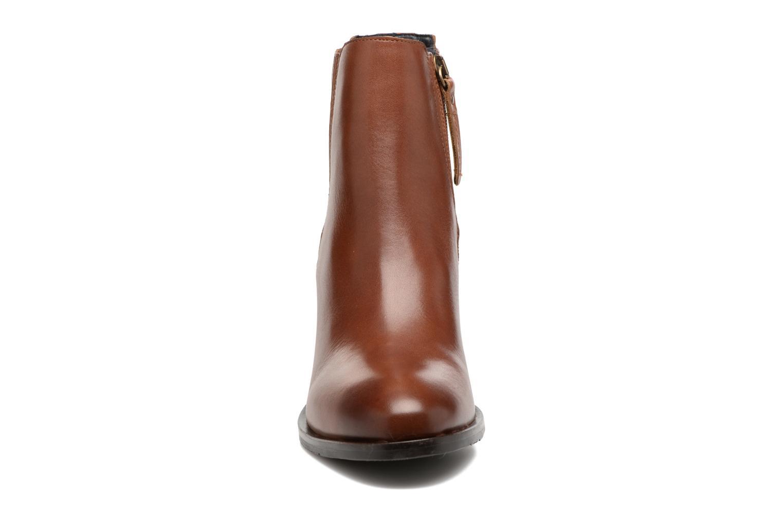 Bottines et boots Tommy Hilfiger Penelope 17A Marron vue portées chaussures