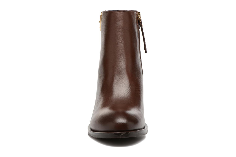 Boots en enkellaarsjes Tommy Hilfiger Penelope 18A Bruin model