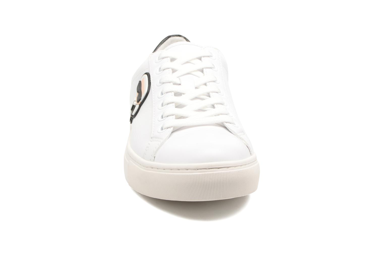 Sneakers Karl Lagerfeld Kupsole Karl Ikonik Lo Lace Bianco modello indossato