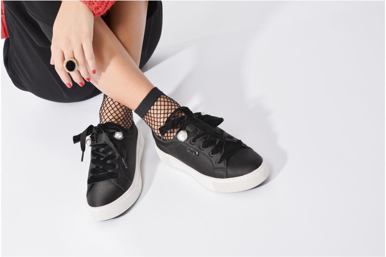 Baskets Karl Lagerfeld Luxor Kup Lace Shoe Noir vue bas / vue portée sac