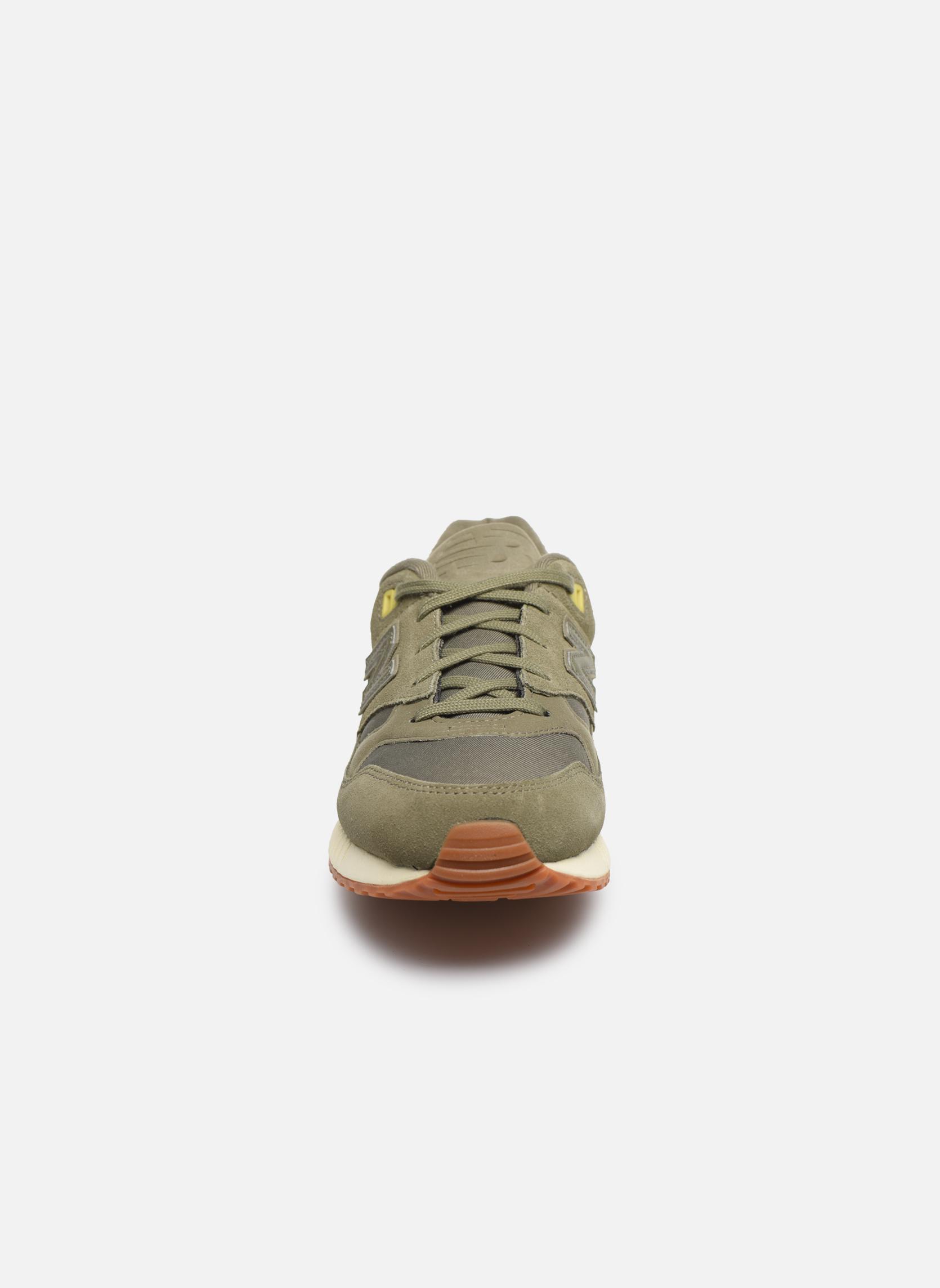 Baskets New Balance W530 B Vert vue portées chaussures
