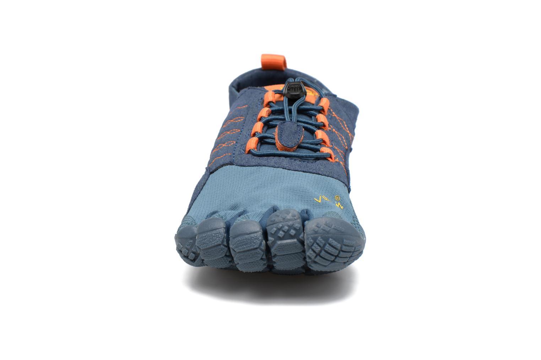 Chaussures de sport Vibram FiveFingers Trek Ascent Bleu vue portées chaussures