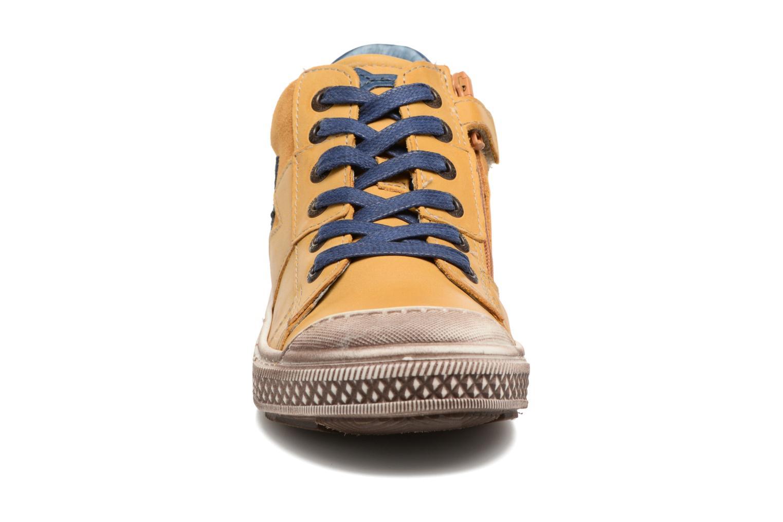 Baskets Stones and Bones Lato Jaune vue portées chaussures