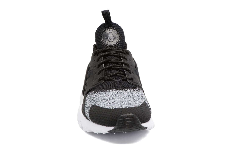 Baskets Nike Air Huarache Run Ultra Se (Gs) Noir vue portées chaussures