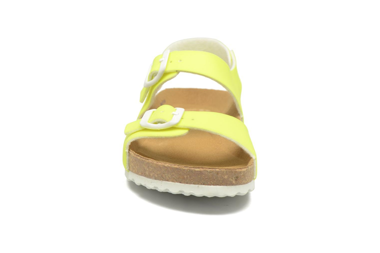 Sandales et nu-pieds El Naturalista Waraji NE67 Jaune vue portées chaussures