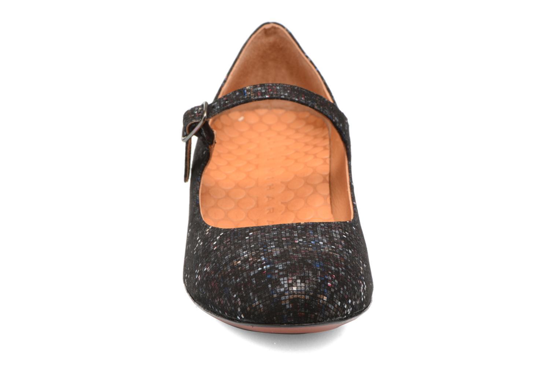 Escarpins Chie Mihara Nead Noir vue portées chaussures