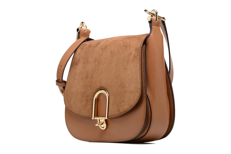 Sacs à main Michael Michael Kors Delfina LG Saddle Bag Marron vue portées chaussures