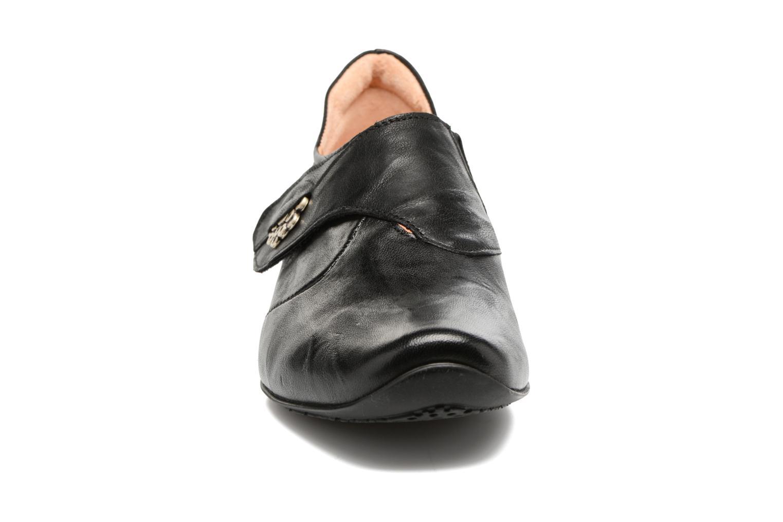 Mocassins Think! Chilli 88106 Noir vue portées chaussures