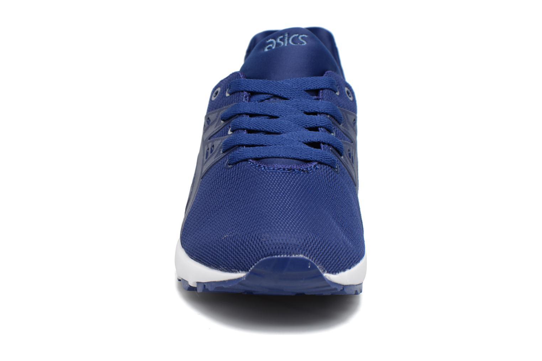 Baskets Asics Gel Kayano Trainer EVO GS Bleu vue portées chaussures