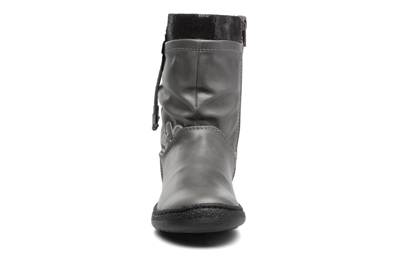 Bottes Chicco Ciambella Gris vue portées chaussures
