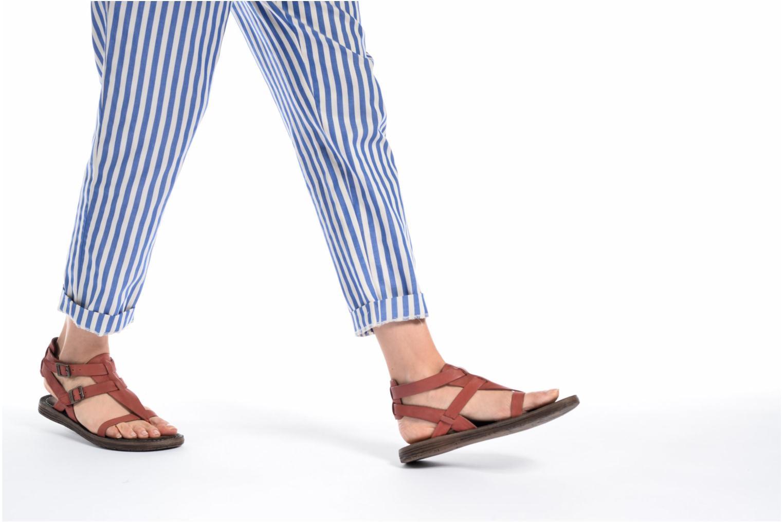 Sandales et nu-pieds Kickers Anselme Rouge vue bas / vue portée sac