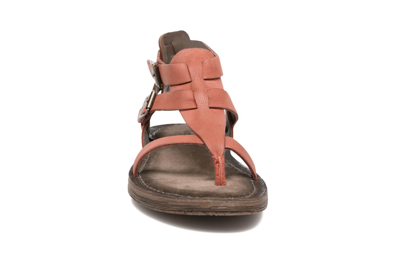 Sandales et nu-pieds Kickers Anselme Rouge vue portées chaussures