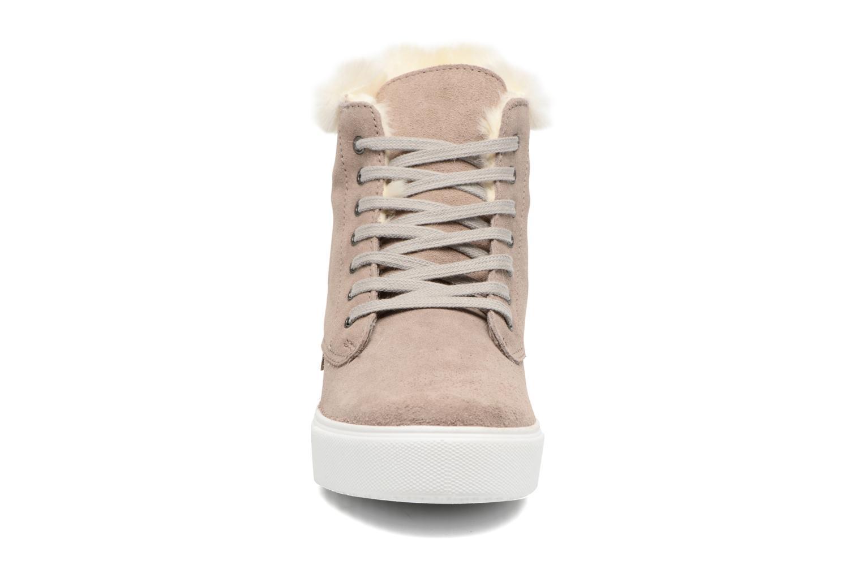 Baskets Victoria Bota Blucher Serraje Marron vue portées chaussures