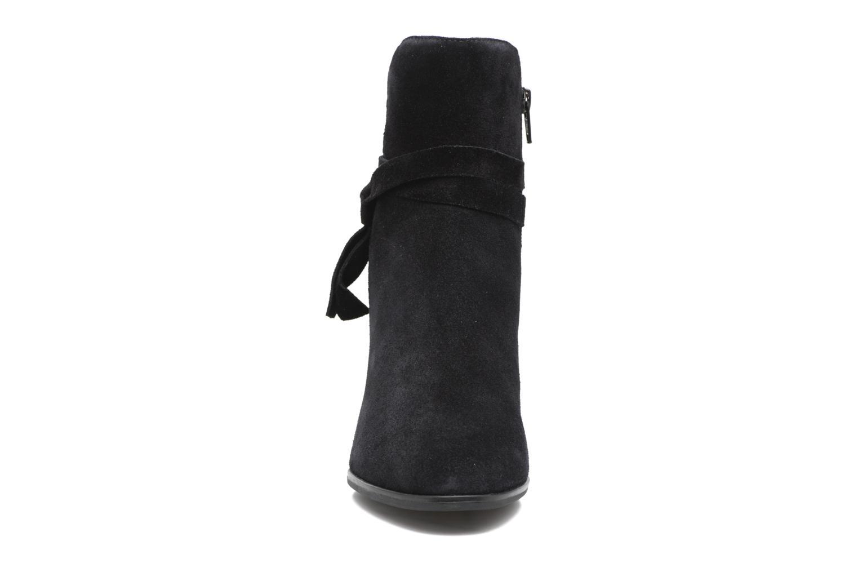 Bottines et boots Vagabond Lottie 4421-140 Noir vue portées chaussures