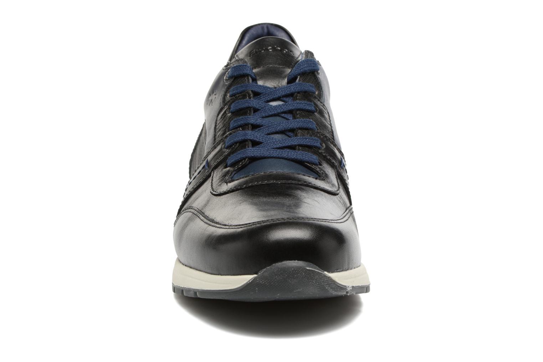 Baskets Fluchos Erik 9813 Noir vue portées chaussures