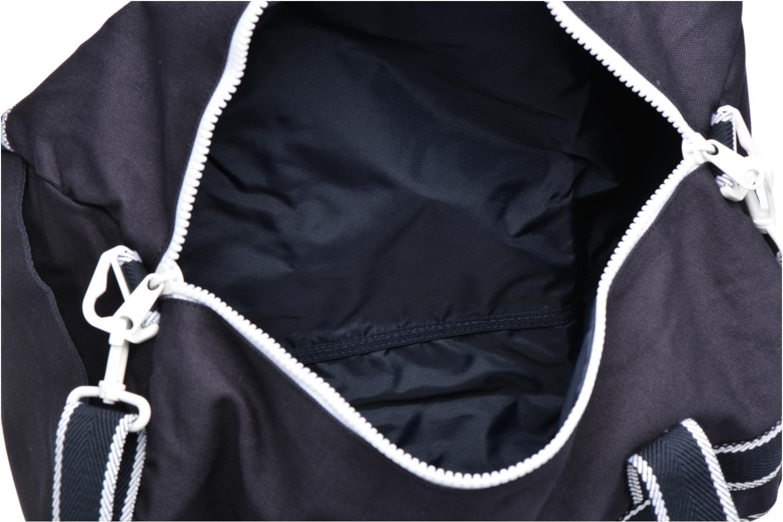 Sporttassen Fred Perry Sport Canvas Barrel Bag Blauw achterkant