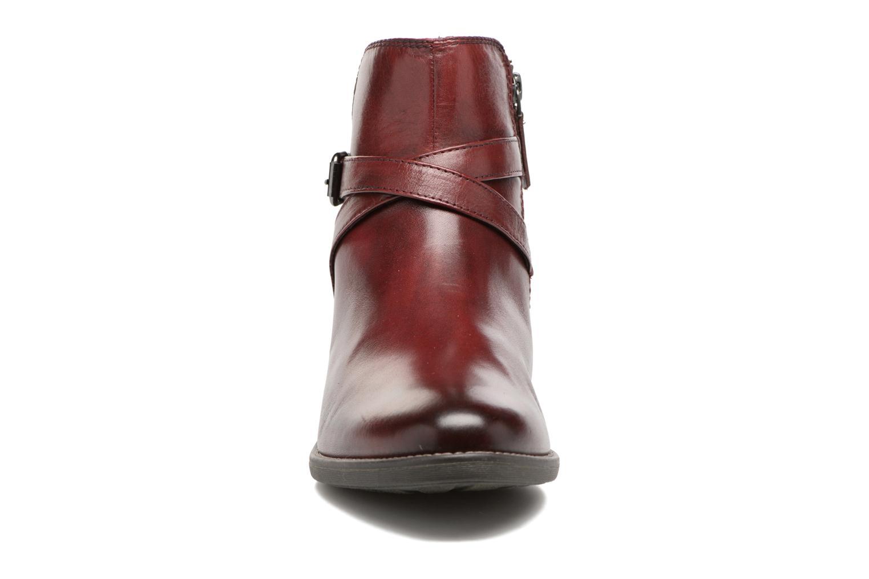 Bottines et boots Tamaris Elbereth Bordeaux vue portées chaussures