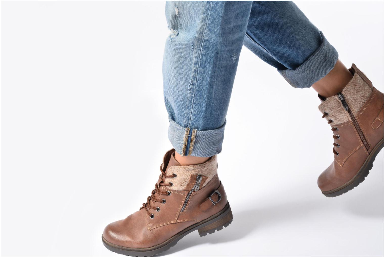 Ankle boots Tamaris Elessar Brown view from underneath / model view