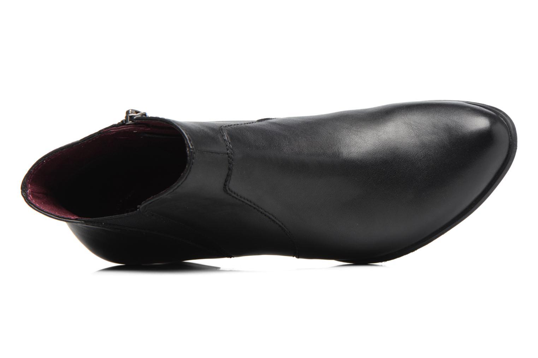 Agnas Black leather