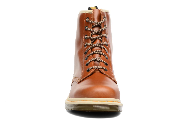 Bottines et boots Dr. Martens 1460 Marron vue portées chaussures
