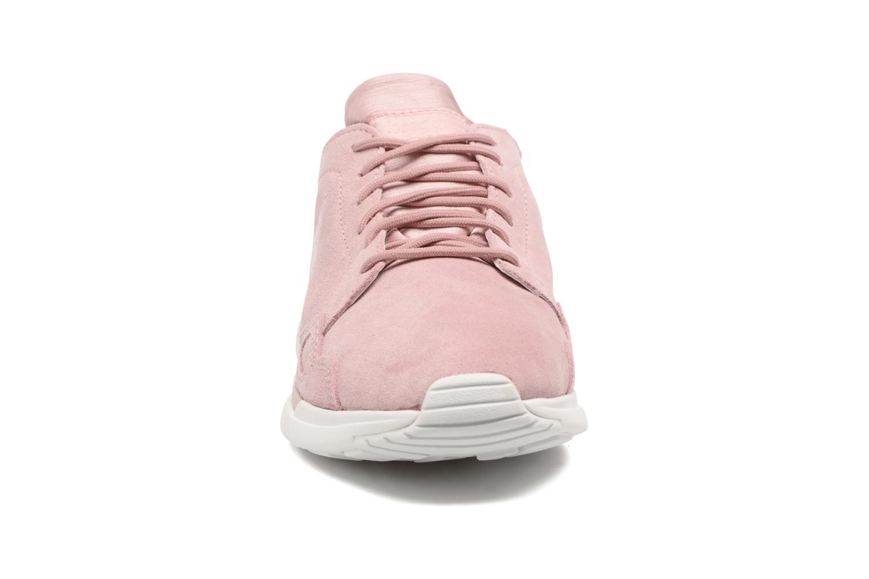 Baskets Le Coq Sportif LCS R Flow Rose vue portées chaussures