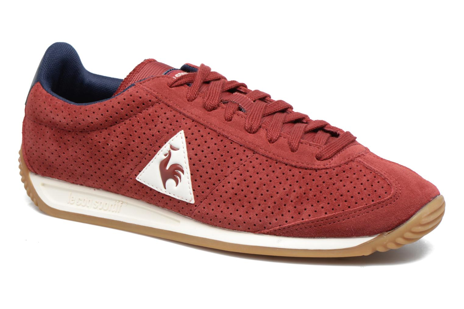 Baskets Le Coq Sportif Quartz Perforated Nubuck Rouge vue détail/paire